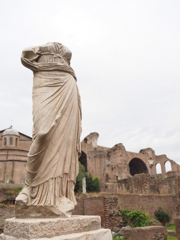 Scenes of beauty in the Roman Forum
