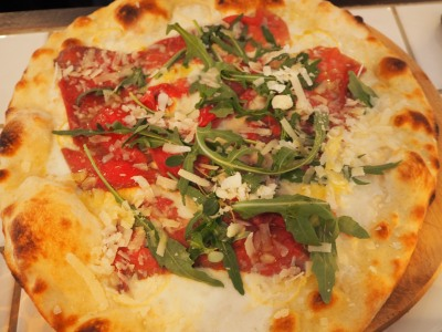 modugno  tomato, mozzarella, smoked parma ham, fresh burrata, rocket