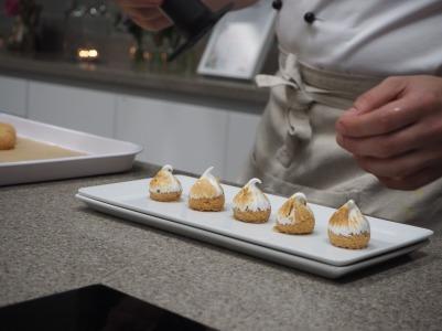Lemongrass and ginger tea meringue choux